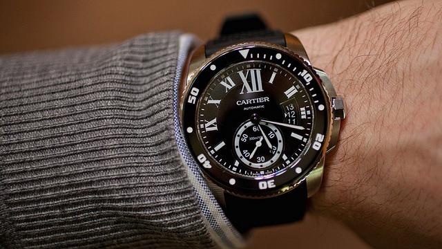 あまり買取に向かないカルティエの男性用腕時計