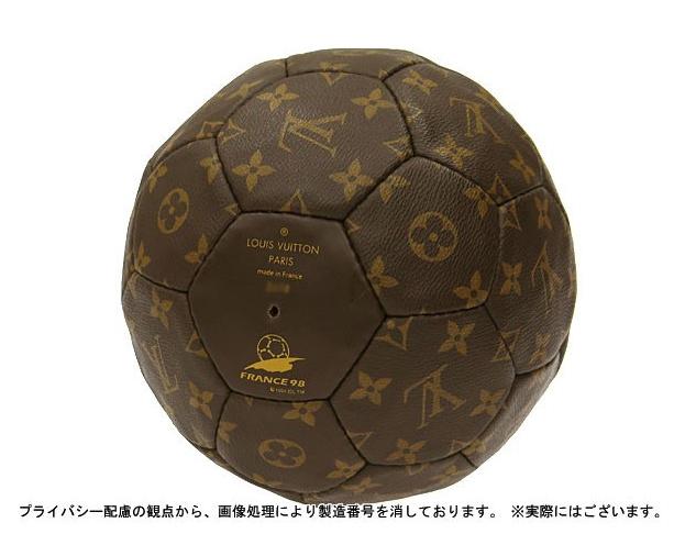 ルイヴィトン サッカーボール