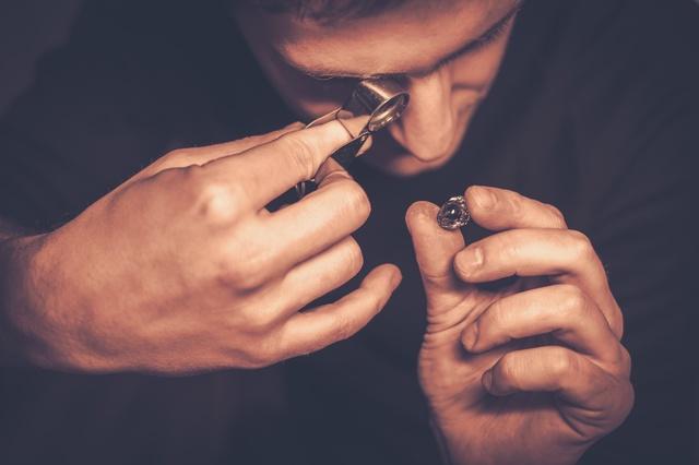 宝石の鑑定と鑑別では意味が違う!?鑑定書の取得や必要性について