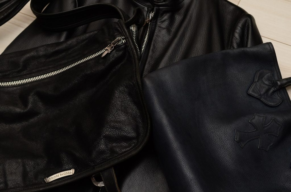 クロムハーツのレザージャケットとバッグ