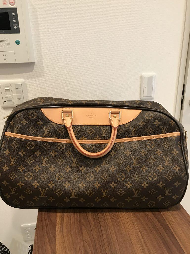 CASH用に撮影したヴィトンのバッグ