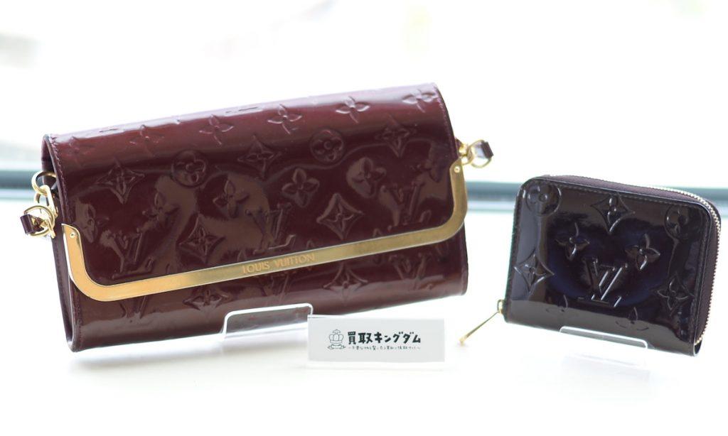 ルイヴィトンのヴェルニのバッグとカードケース