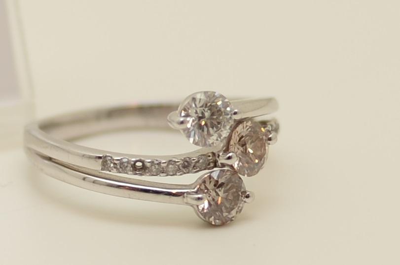 ダイヤモンドリングのメレダイヤの欠け