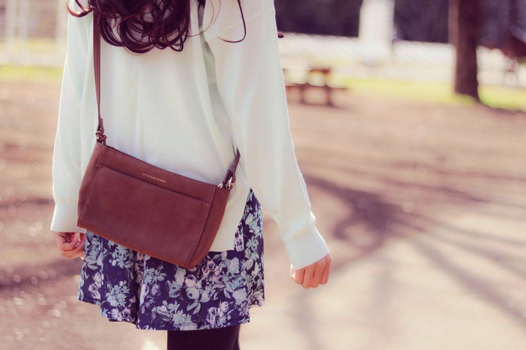 ファッションレンタルを利用する人が増えている